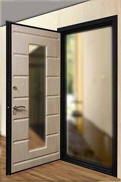 установить зеркало на входную дверь